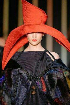 Lino Villaventura Millinery and Hats Silly Hats, Crazy Hats, Fancy Hats, Caroline Reboux, Wearing A Hat, Love Hat, Moda Fashion, Red Hats, Derby Hats