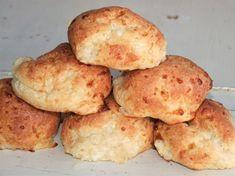 FiberHusk, 300 g Mumsigt ostiga kesobullar bjöd bakandet på idag! Ytterligare ett gäng ljuvligt goda frukostbullar som är så enkla att göra! Här kommer receptet :)Recept på LCHF kesobullar:2 dl mandelmjöl2 msk fiberhusk2 tsk bakpulver1 ägg1 dl creme fraiche1 dl kesoBlanda ihop alla torra ingredienser, sedan ner med resten och rör om till en deg....