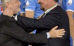 UFFICIALE l'addio di BENITEZ al Napoli Benitez saluta De Laurentiis in conferenza stampa e annuncia l'addio. Ecco le parole del tecnico spagnolo.Ringrazio il presidente, la societa` e tutti i tifosi perche` dopo 2 anni finisce la mia esp #benitez #napoli #calciomercato