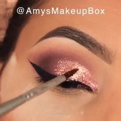 Makeup Tricks to Look Younger : 11 Ways . - Makeup Tricks to Look Younger : 11 Ways to Look Younger With Makeup - Golden Eye Makeup, Makeup Eye Looks, Eye Makeup Steps, Beautiful Eye Makeup, Perfect Makeup, Smokey Eye Makeup, Eyebrow Makeup, Skin Makeup, Eyeshadow Makeup