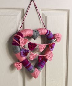 Heart Wreath Crochet Pattern  #crochet  #redheartyarns