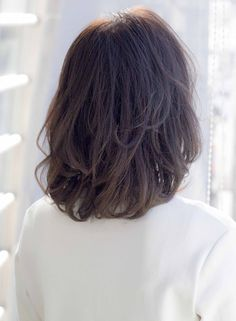 色気漂う大人のパーマスタイル☆前髪は長めがオススメです☆カラースペシャリスト認定スタイリストでカラーのみのご相談もお待ちしております☆