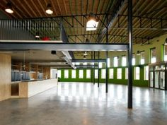 Architectura - Voormalige houthandel omgevormd tot energievriendelijk cultureel centrum / XELLA