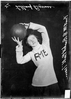 Chicago Daily News photo of First Methodist Episcopal Women's basketball player Lillian Burress, 1909.