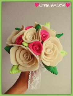Creativalove handmade. Romantico bouquet di rose in pannolenci e feltro, realizzato completamente a mano.