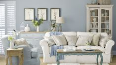 Shabby Chic Decor - An impressive and dazzling read on shabby chic home decor redo. shabby chic decor ideas example info imagined on this day 20190112 Shabby Chic Living Room Furniture, Shabby Chic Interiors, Shabby Chic Bedrooms, Living Furniture, Shabby Chic Homes, Small Bedrooms, Blue Shabby Chic, Chabby Chic Living Room, Shabby Chic Lounge