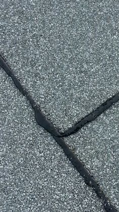 Tips To Help Homeowners Choose The Right Roofing Contractor - Useful Roofing Tips Flat Roof Repair, Bragg Creek, Roofing Contractors, 2 Ply, Calgary, Things To Come, Google, Construction, Art