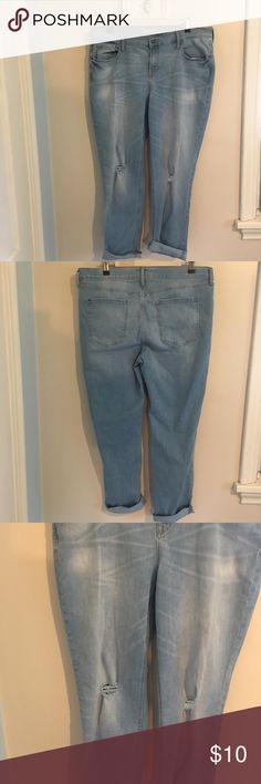 Old Navy Boyfriend Jeans Distressed Old Navy Boyfriend Straight Jeans. Size 14 Regular Old Navy Jeans Boyfriend