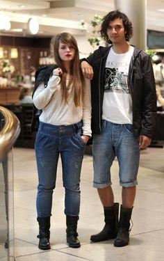 *LOOK DES MONATS UNSERER FASHION-REDAKTION*  Das Outfit für diesen doch eher kühlen und verregneten Sommer: Sie trägt ein Longsleeve aus der neuen CAMPUS Kollektion, HighWaist-Jeans von ONLY, Tommy Hilfiger-Boots von SCHUHKAY und zum drüberziehen eine Lederjacke von ORSAY. Er trägt ein frisch eingetroffenes T-Shirt von ZAPATA, G-Star Jeans-Shorts von LEO´S, Leder-Boots und eine leichte Regenjacke von LEVI´S. (31.07.12)