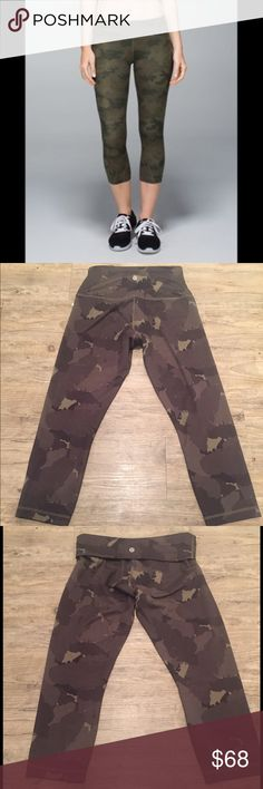 Lululemon Camo Wunder Under Camouflage Leggings Super cute pair of cropped camouflage leggings. Really nice thick material. High waisted with the option to fold them over (Lululemon symbol on both sides). Size 6 in great condition lululemon athletica Pants Leggings