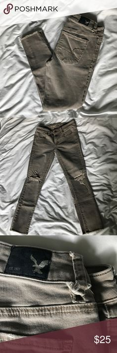 AE crop jegging w unhemmed bottom Great crop jegging from AE. Little hole on belt loop. Fits great, barely worn.4 regular American Eagle Outfitters Jeans Ankle & Cropped