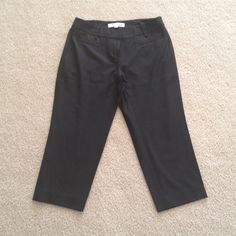 Ann Taylor Loft Petite Black Capri 00P ANN TAYLOR LOFT  Black Capri/Cropped Pants  Zipper Closure..Belt Loops with a nice ribbon detail around it Pockets front and back  Size 00 P Ann Taylor Pants Capris