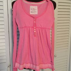 Hollister pink Top Just a comfy pink pullover.  Still good condition Hollister Tops Tees - Long Sleeve