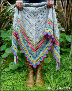 """I like this pattern, but would use fingering weight yarn. Anything heavier - like the DK suggested here - feels to me like I left the house wrapped in my bedspread. """"Ravelry: Sunday Shawl pattern by The Little Bee ~ Alia Bland"""" Poncho Crochet, Crochet Bolero, Crochet Shawls And Wraps, Crochet Motifs, Love Crochet, Crochet Scarves, Crochet Clothes, Crochet Hooks, Ravelry Crochet"""