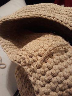 Návod na háčkovaný hvězdičkový puff Crochet Squares, Merino Wool Blanket, Crocheting, Elsa, Stitch, Diy, Twine Crafts, Basket Weave Crochet, Hampers