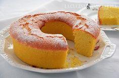 CIAMBELLA ALL'ACQUA  La ciambella all'acqua è una torta senza burro e senza latte soffice e delicata. E' ideale per una colazione light ma con gusto. La consistenza di questa ciambella è davvero unica e ricorda un po' quella del pan di spagna. Continua a leggere: http://www.lacucinaimperfetta.com/2015/05/ciambella-allacqua.html  #lacucinaimperfetta #ricette #recipes #torte #ciambella #colazione