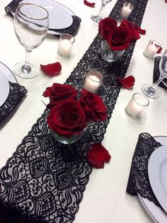 Our Favorite Things: Vintage Black Lace Table Runner – www.diyweddingsma… Unsere Lieblingssachen: Vintage Black Lace Table Runner – www. Lace Runner, Lace Table Runners, Black Lace Table, Decoration St Valentin, Wedding Table, Wedding Day, Wedding Dress, Wedding Flowers, Anniversary Parties