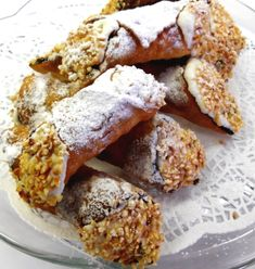 Kannoli tal-Irkotta - the Maltese take on Italian cannoli Malta Food, Bon Ap, Yummy Food, Tasty, Seasonal Food, Love Food, Sweet Recipes, Dessert Recipes, Cake Recipes