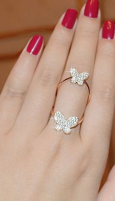 American Diamond Studded Designer Finger Rings from Stf Store Hand Jewelry, Jewelry Rings, Jewelry Accessories, Jewelry Design, Stylish Jewelry, Cute Jewelry, Wedding Jewelry, Fashion Rings, Fashion Jewelry