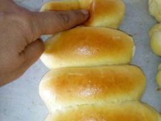 Εξαιρετική συνταγή για Ψωμάκια αφρός για... όλες τις χρήσεις.!!!!. Μπορούμε να τα κάνουμε σάντουιτς και χοτ ντογκ, σε στρογγυλή μορφή χάμπουργκερ και τσιζμπουργερ,απλα για να συνοδέψουν το φαγητο μας, και γενικά οπου μπορεί να φανταστεί ο καθένας μας.