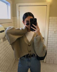 Photo by brooke justine dec 31 2019 at 8 14 am source by cupofrachel brooke dec justine post utc winter fall fashion 2020 29 cute summer outfits for women and teen girls Vintage Outfits, Retro Outfits, Cute Casual Outfits, Grunge Outfits, Layering Outfits, Girly Outfits, Travel Outfits, Hipster Outfits, Simple Outfits