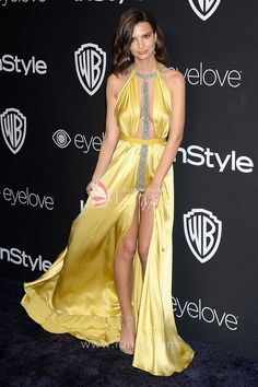 Emily Ratajkowski in a sexy yellow spandex satin prom dress at Golden Globe Awards 2017 in Beverly Hills. Plunging neckline with beaded strap, thigh-high front slit making the dress more sexy. Ask a Question Add to Wishlist Lace Jacket Wedding, Tulle Wedding Skirt, Tea Length Wedding Dress, Long Wedding Dresses, Long Sleeve Wedding, Prom Dresses, Vestidos Red Carpet, Red Carpet Dresses, Satin Dresses