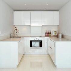 Stunning 67 Extraordinary Small Kitchen Design Ideas https://cooarchitecture.com/2017/07/10/67-extraordinary-small-kitchen-design-ideas/
