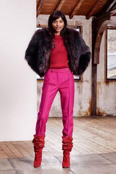 Paule Ka Pre-Fall 2019 Fashion Show Collection: See the complete Paule Ka Pre-Fall 2019 collection. Look 20 Fur Fashion, Vogue Fashion, Fashion Week, Fashion Outfits, Fashion Trends, Fashion Clothes, Vogue Paris, Paule Ka, Spring Couture