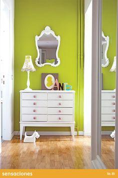 Gracias a su tecnología repelente de manchas, Vinimex Easy Clean es mejor opción para los pasillos y corredores de tu hogar. Descubre más tips en nuestra Revista Sensaciones: http://www.comex.com.mx/sensaciones_online