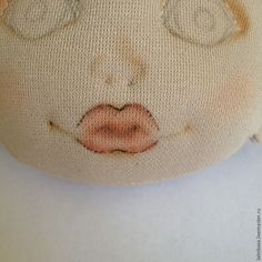 Год назад решила попробовать себя в создании текстильных куколок. Начальные навыки шитья и любовь к творчеству были привиты моей мамочкой, а остальному мне предстояло найчиться. В интернете можно было найти очень много подробных мастер-классов по созданию чудесных девочек. Для того, чтобы набить руку, рисовала сначала в карандаше на бумаге, затем уже на ткани. Но...