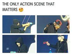 The only fight scene I loved Exo Chanbaek, Exo Ot12, Kyungsoo, Exo Memes Funny, Kpop Memes, Exo Sign, Xiuchen, K Pop Star, Kpop Exo