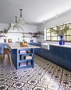 Cocina clásica en azul