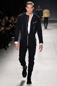 """Looks like the guy in T Swift's """"Style"""" music video h-and-m-balmain-runway-fall-2016-23"""