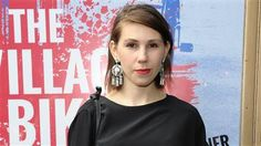 'Girls' star Zosia Mamet opens up about her eating disorder battle: 'I nearly died' - TODAY.com