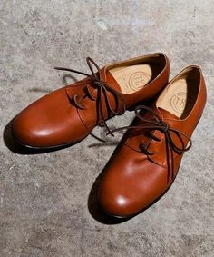 Beautiful brown shoes.