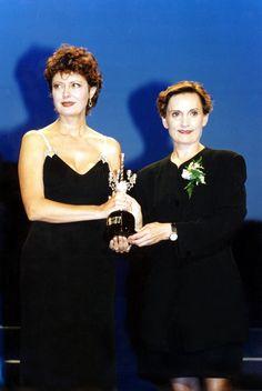 Susan Sarandon, Premio Donostia 1995 Susan Sarandon, San Sebastian Film Festival, International Film Festival, Movies, Movie Posters, Purse, Film Festival, Finance, News