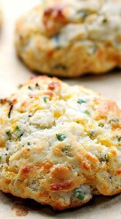 Sour Cream Cheddar and Chives Drop Biscuits ~ A savory biscuit perfect as an appetizer or addition to any meal.