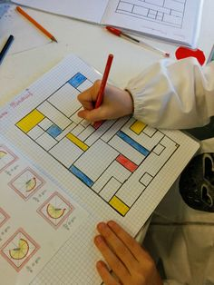 SIAMO IN SECONDA Preschool Learning, Kindergarten Classroom, Teaching Math, Geometry Activities, Math Activities, Mondrian Art, Math Sheets, Artist Project, High School History