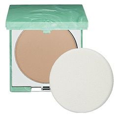 Shop Clinique's Superpowder Double Face Makeup at Sephora. It's a powder and foundation in a portable compact that's long-wearing. Foundation For Mature Skin, Best Foundation, No Foundation Makeup, Powder Foundation, Makeup Geek, Face Makeup, Makeup For Older Women, Clinique Makeup, Beauty