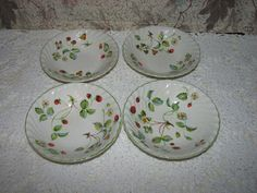4 James Kent Old Foley Strawberry Pattern Bowls