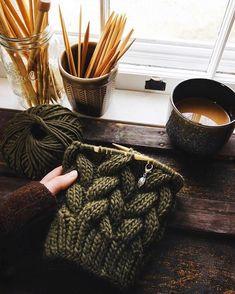 Sweater Knitting Patterns, Knitting Designs, Knitting Yarn, A Pattern Language, S Word, Knit Fashion, Diy Crochet, Fiber Art, Workplace