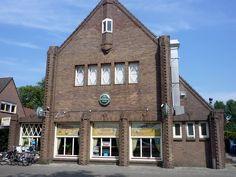 Rotterdam Heyplaat - café-restaurant 'Courzand' op de Courzandseweg.
