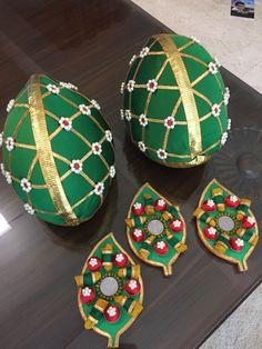 Fresh green coconut decorated for wedding ceremony Indian Wedding Gifts, Desi Wedding Decor, Marriage Decoration, Wedding Gifts For Groom, Wedding Gift Wrapping, Wedding Ceremony Decorations, Wedding Crafts, Coconut Decoration, Thali Decoration Ideas
