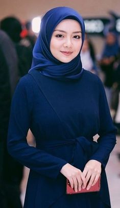 Beautiful Muslim Women, Beautiful Hijab, Hijab Styles For Party, Hijab Fashionista, Morning View, Hijab Chic, Girl Hijab, Muslim Girls, Girl Body