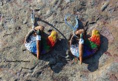 Artist's palette and paintbrush earrings, Polymer clay rainbow jewelry, dangle earrings por Seasonoftheflowers