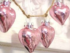 Pink hearts for Christmas tree decoration Noel Christmas, Pink Christmas, Vintage Christmas, Christmas Bulbs, Christmas Decorations, Christmas Hearts, Miniature Christmas, Christmas Colors, Xmas Colors