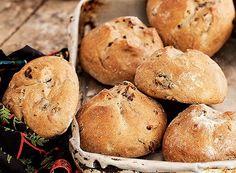 Pão de azeitona e nozes | bread recipe (Foto: Elisa Correa/Editora Globo)