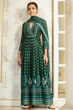 Designer Suits - Buy Gulika Set for Women Online - - Anita Dongre Source by dresses indian Indian Gowns, Indian Attire, Indian Wear, Anita Dongre, Indian Wedding Outfits, Indian Outfits, Indian Designer Outfits, Designer Dresses, Party Kleidung