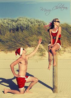 Fun Beach Christmas Card Idea: http://beachblissliving.com/beach-christmas-card-photo-ideas/