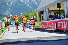 Geschafft! Spaß beim Zieleinlauf in Imst #DachTirols #Marathon #Halbmarathon